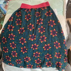 Stunning LuLaRoe Lola Skirt NWT